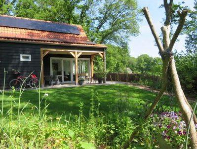 Vakantiehuisje met omheinde tuin